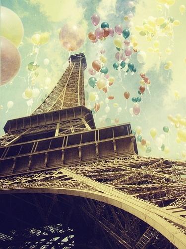 balloons-eiffel-tower-vintage-Favim.com-517842